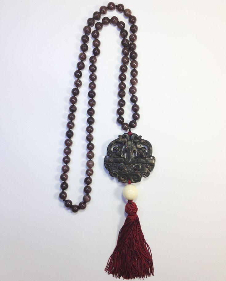 Collar AMULETO FENG SHUI de Jade Negro con borla