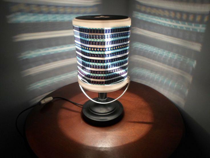 lampara-de-mesa-realizada-con-cinta-de-pelicula-14762-MLV20090362065_052014-F.jpg (1024×768)