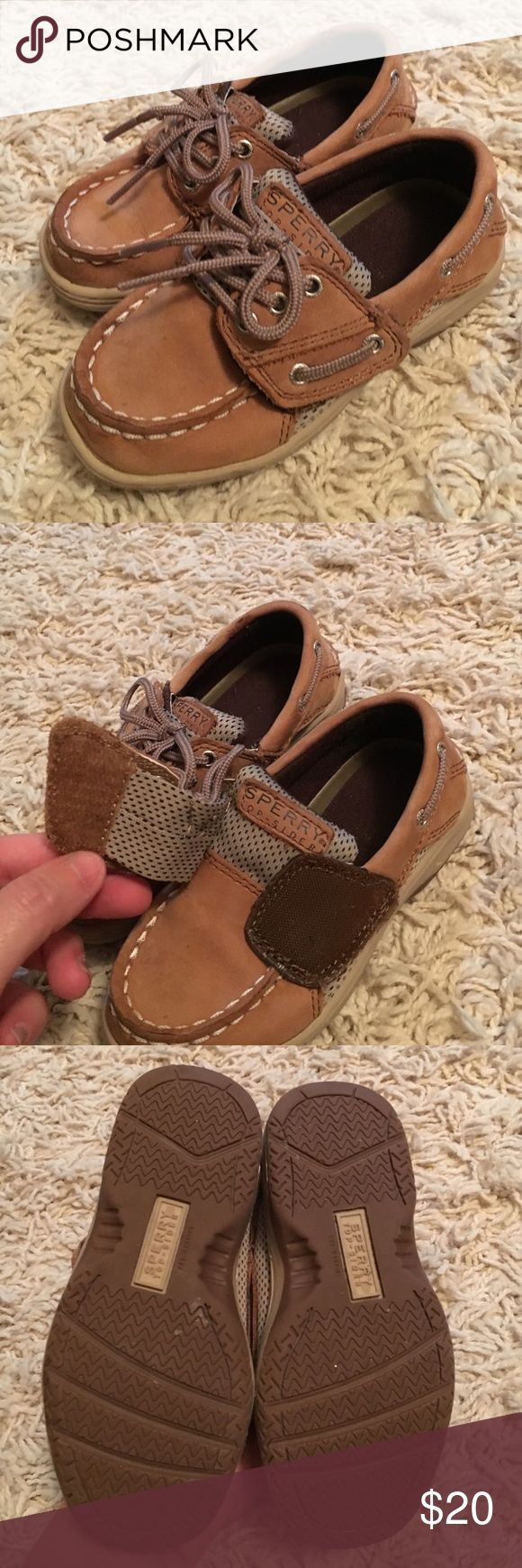 Sperry Top Sider- Size 8 Velcro tie boat shoes Sperry Top Sider- Great condition! Size 8 Top Sider boat shoes.  Easy Velcro faux tie. Sperry Top-Sider Shoes
