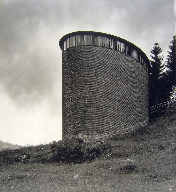 subtilitas: Peter Zumthor - Saint Benedict Chapel, Sumvitg 1988. Amazing photographs by Hans Danuser & Hélène Binet. Own scans from here and here.