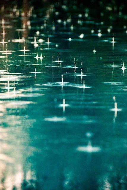 Regen auf Wasseroberfläche #Natur #Wasser #Regen #nature #water #rain  Rain… – Ylo Chronia