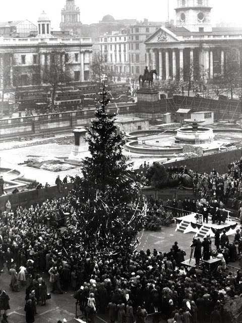 The first Norweigen Christmas tree in Trafalgar Square, London, 1947. Every year since Norway has sent a tree in thanks for the UK's support for the country during WW2
