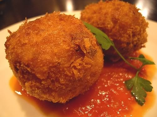 chicken croquettes - use this link instead: http://www.food.com/recipe/chicken-croquettes-255919