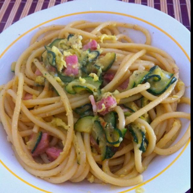 Carbonara and zucchini