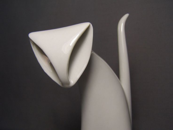 """Royal Dux Czechoslovakia Stylized White Porcelain Cat Figurine #859 Eames EraT   measures 6-1/4"""" tall to the tip of the tail.   The number """"859"""" is incised on the bottom and the number """"99."""""""