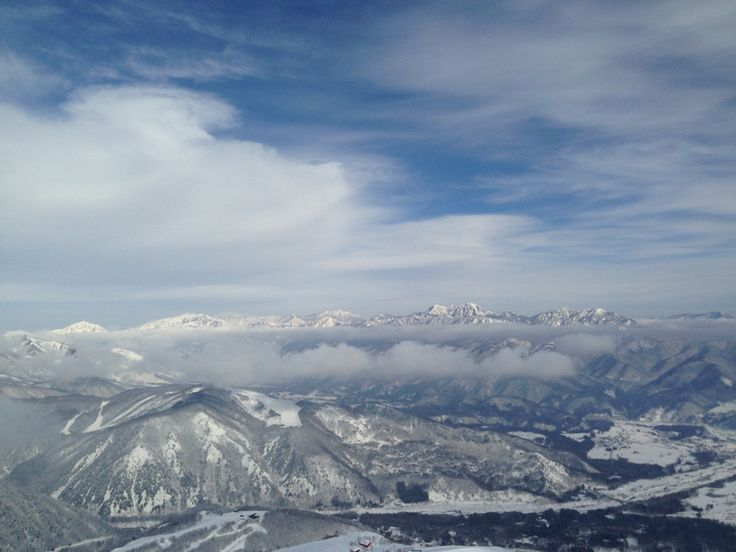 Skiing above the clouds in Happo-One, Hakuba, Japan