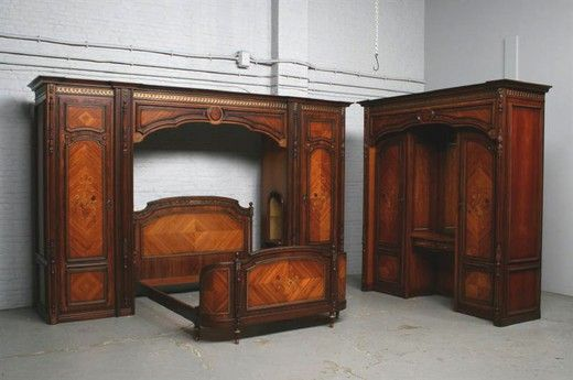 Спальный гарнитур Людовик XVI из 3 предметов 20 века (1940-е гг). Старинная мебель из Европы, Франция.