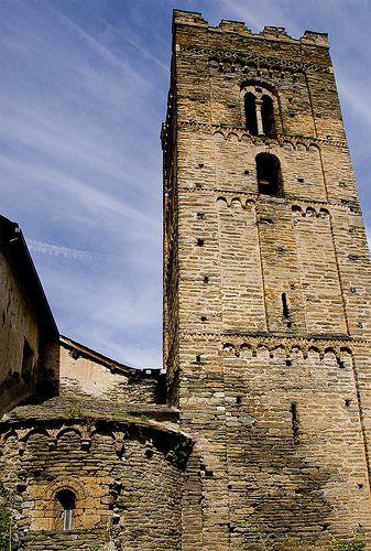 El campanar romànic de Cardós  / Bell tower in Ribera de Cardós  Pallars Sobirà Lleida  Catalonia