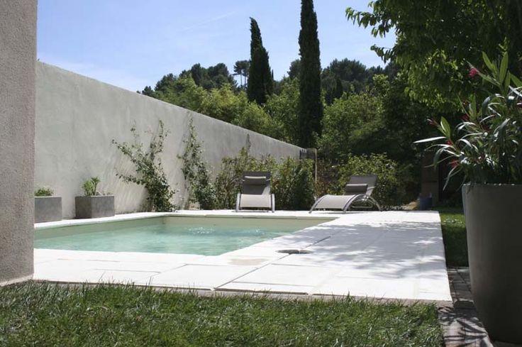 """La piscine du gite """"Sous le ciel de Provence"""""""