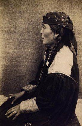 Портрет женщины (профиль)Сагайцы.Тыва.нач.20 в.