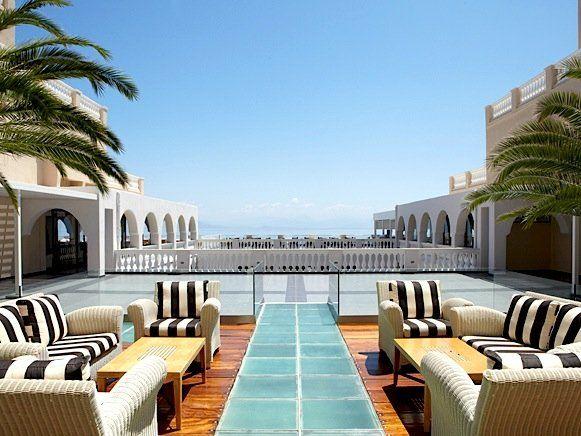 Das MarBella Corfu Hotel ist eines der schönsten Honeymoon-Hotels in Griechenland. Und das aus gutem Grund ...
