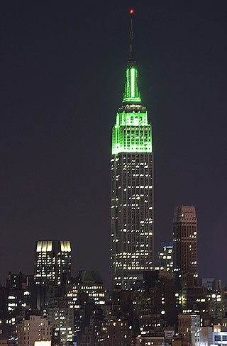 Green Empire State Building to celebrate 5 years of Wicked on Broadway