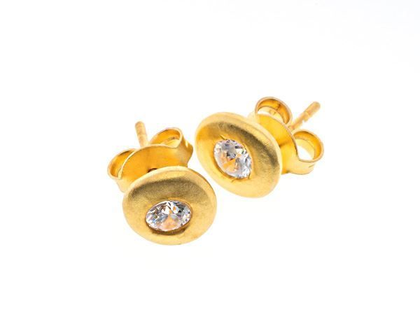 Crystal Pebble Gold Stud - HeidisHoff.no