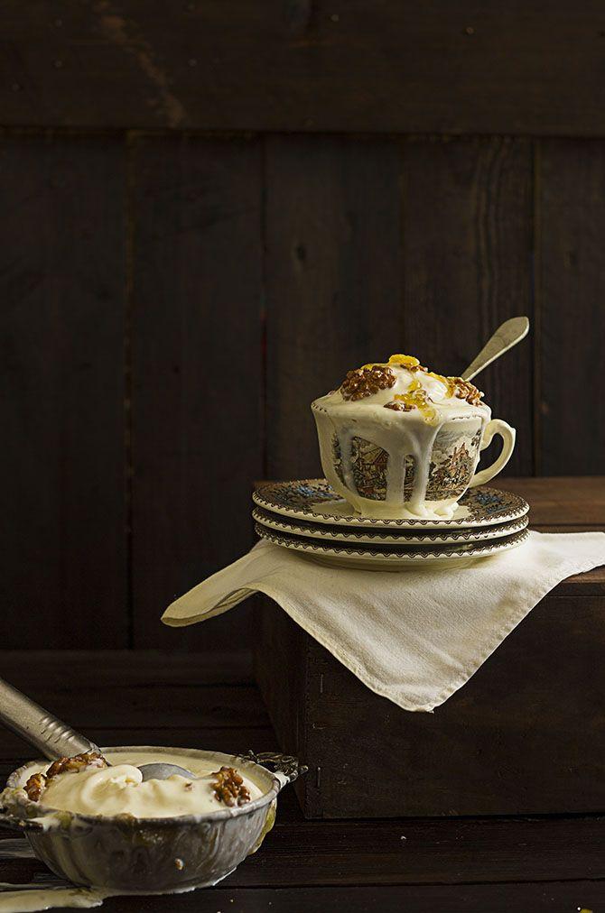 Carmen Millán •   Yerbabuena en la cocina: Helado de queso de cabra con nueces cantonesas y miel