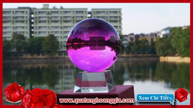 Quả cầu pha lê phong thủy mầu tím hồng: