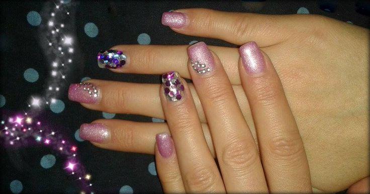 Glitrove fialová a zdobení