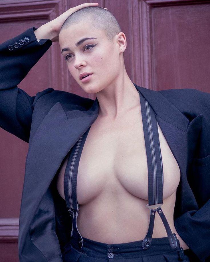 Multiple nude australian models