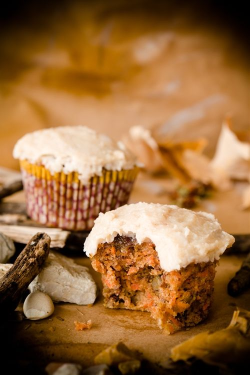 Ingredients: Cupcake: 1 1/2 cups blanched almond flour 1 teaspoon sea salt 1/2 teaspoon baking soda 1 teaspoon cinnamon 1/2 teaspoon nutmeg 1/4 teaspoon cardamom 3