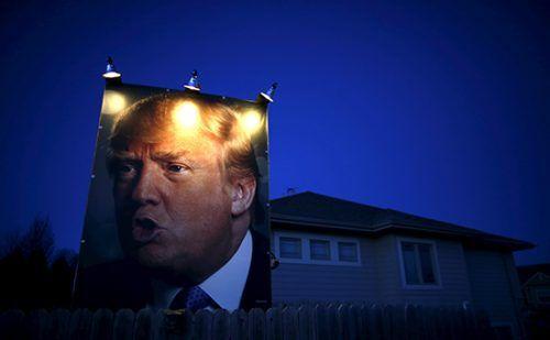 Штат Мичиган утвердил победу Трампа над Клинтон http://mnogomerie.ru/2016/11/29/shtat-michigan-ytverdil-pobedy-trampa-nad-klinton/  Штат Мичиган официально утвердил победу Дональда Трампа над Хиллари Клинтон с отрывом в 11 тыс. голосов избирателей. Ранее Партия зеленых решила добиваться пересчета голосов в Мичигане, где традиционно побеждали демократы Избирательная комиссия Мичигана – одного из штатов, где Партия зеленых решила добиваться пересчета голосов — подтвердила победу республиканца…