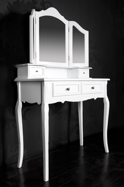 17 best images about sideboards highboards vitrinen on pinterest deko ux ui designer and teak. Black Bedroom Furniture Sets. Home Design Ideas