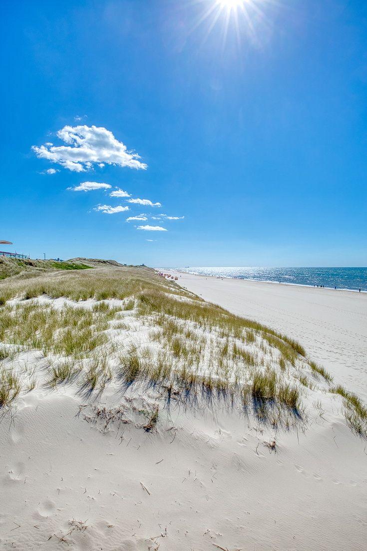 Am Strand Von Wenningstedt Insel Sylt Nordfriesische Inseln Schleswig Holstein Deutschland Nordeuropa Insel Sylt Urlaub Nordsee Sylt Urlaub
