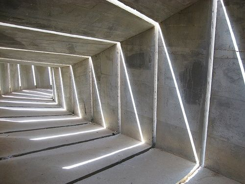 [A3N] : The Negev monument    Dani Karavan - gaps in the concrete cause patterns to be made out of light. - abstract
