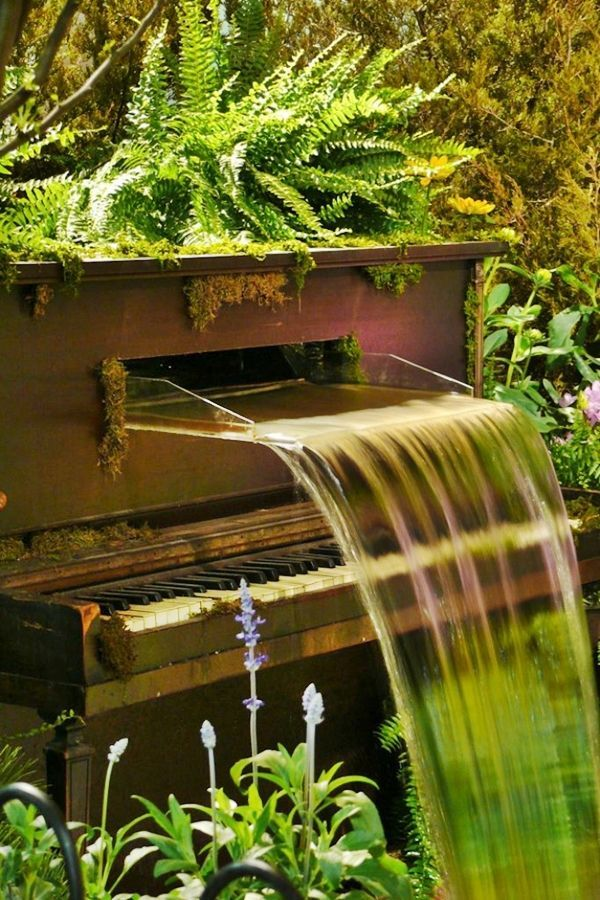 Garden Decoration: #piano! #savetheplanet Wow beautiful piano turned fountain!!