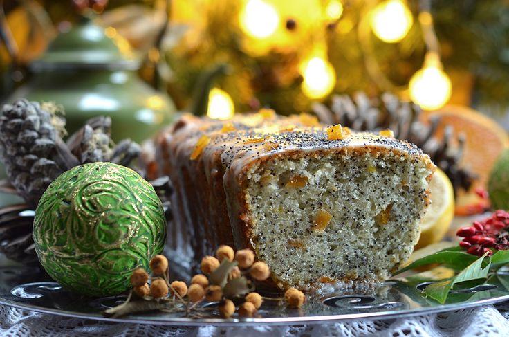Bardzo dobre ciasto cytrynowe z makiem - do zrobienia w minut dziesięć. Na klasowe, przedszkolne i pracowe wigilie, do codziennej kawy. Pyszne.