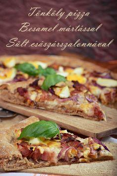 Tönköly pizza, besamel mártással és sült császárszalonnával