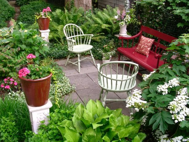 Small Garden Sitting Area Ideas