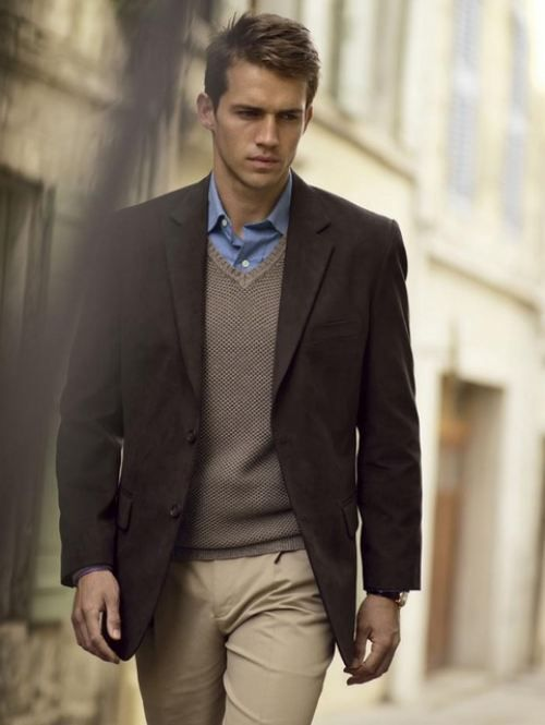 beige, taupe, brown and blue, a color palette always successful