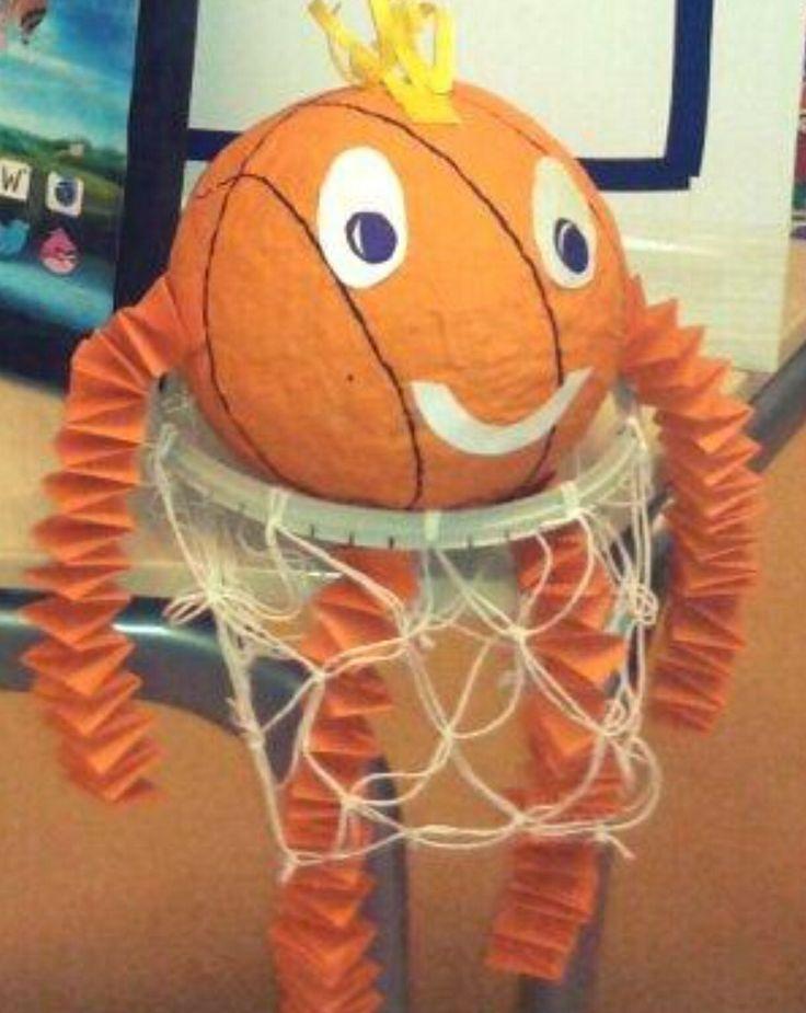 Sinterklaas surprise: basketbal in basket
