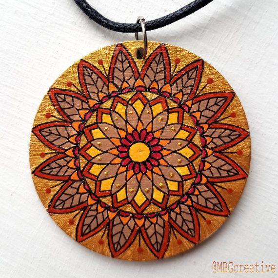 Bekijk dit items in mijn Etsy shop https://www.etsy.com/nl/listing/492836799/necklace-with-handpainted-wooden-pendant