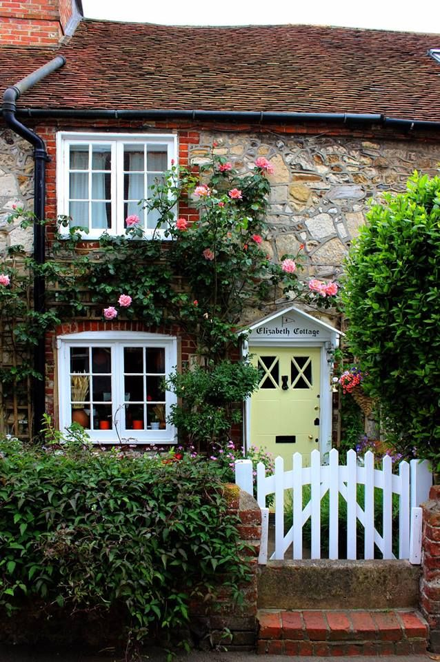'Elisabeth Cottage' in the Village of Bosham   West Sussex Photo by Clivea2z