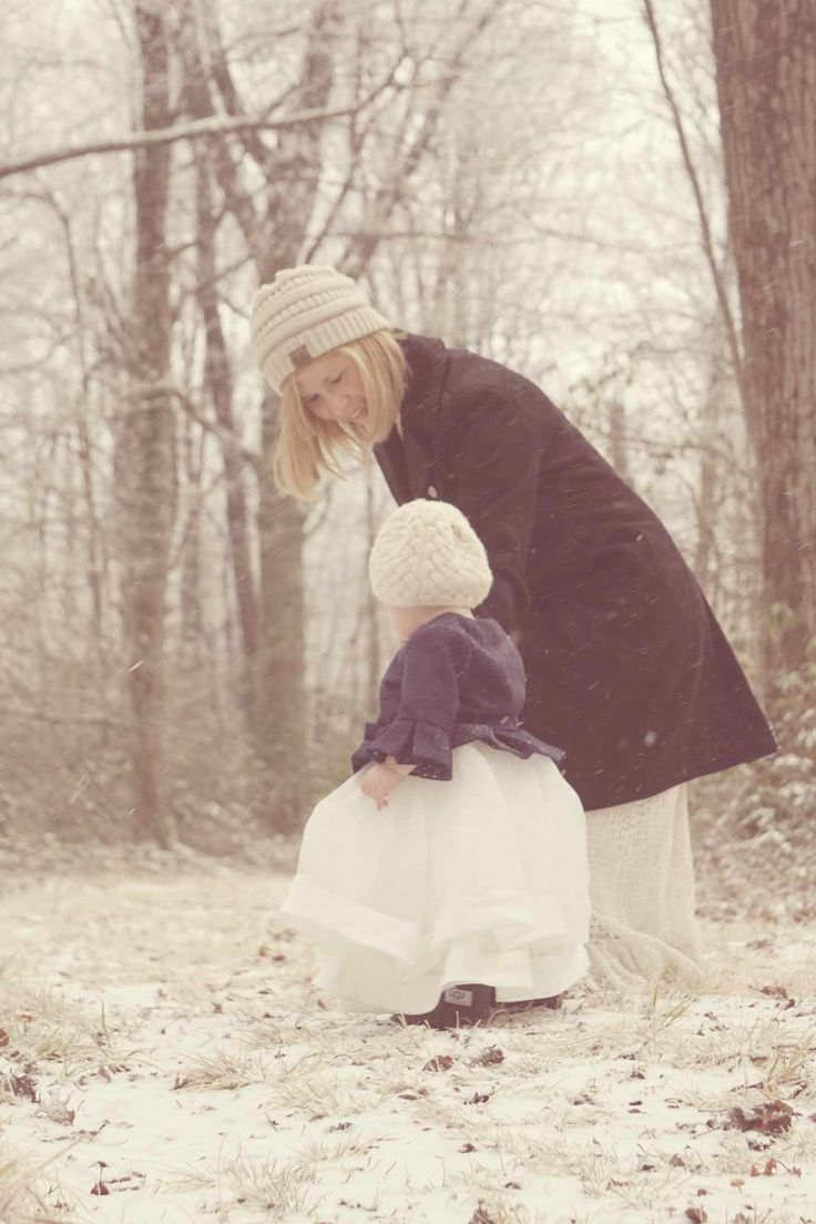 Mother and daughter winter photography