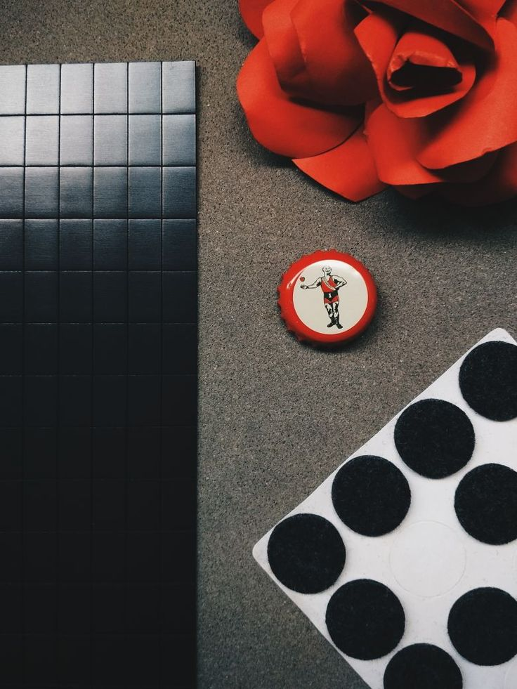 Recycling like a boss! Never trash a cute beer bottle cap again, thanks to this easy 1 minute DIY. You're going to make so many cute fridge magnets in a jiffy. No glue gun, no sandpaper, no cutting, no major tools required.