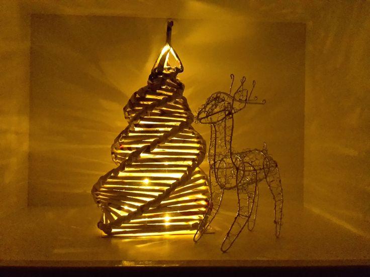 dekorativer papier tannenbaum zum nachbasteln zeitung pinterest. Black Bedroom Furniture Sets. Home Design Ideas