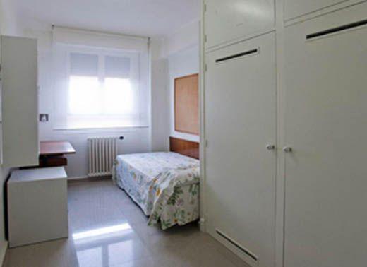 Las 25 mejores ideas sobre dormitorios individuales en for Habitaciones para estudiantes