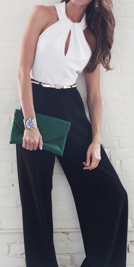 uber chic. White tank. Blue trouser. Green clutch. Afternoon look. Summer. Spring cocktail. Glamourous.