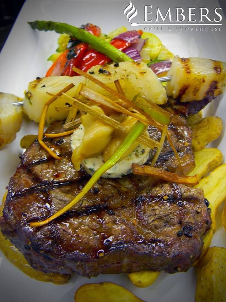 Steak with potatoes & vegetables at Embers in Sault Ste. Marie #algomacountry