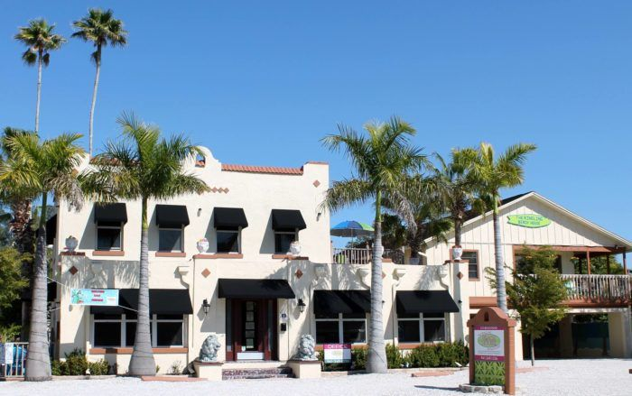 8 Affordable Hotels In Florida Right On The Beach