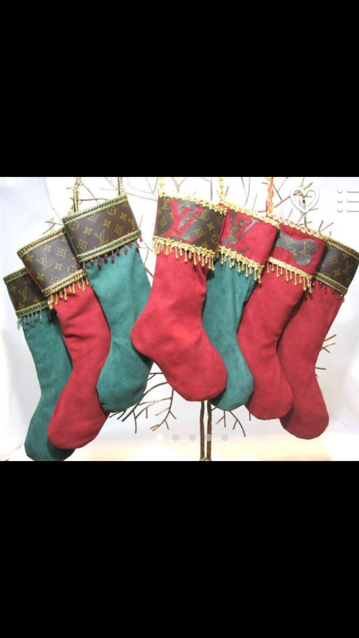 41 days till 🔴CHRISTMAS🔴 get your loved one a LOUIS stocking while you can ! ✨ The Palm Beach Closet ✨ www.palmbeachetsy.com #louisvuitton #instapets #christmas #holiday #christmastree #authenticlouisvuitton #monogram