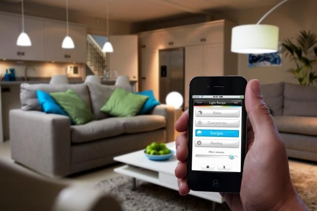 Philips hue, una bombilla LED conectada a Internet  http://www.xataka.com/p/97940