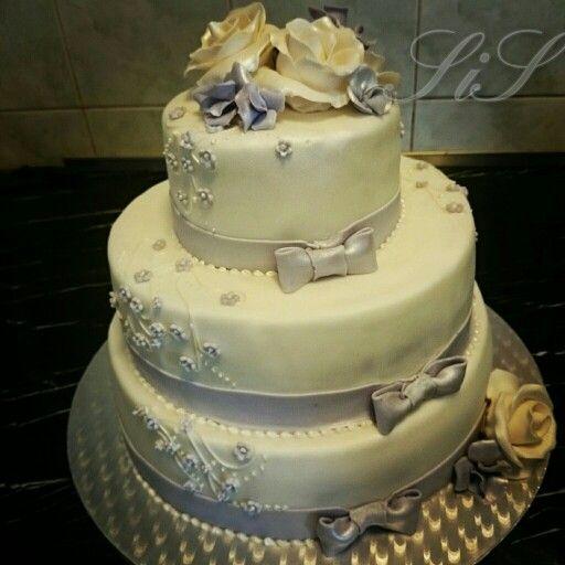 Svatební dort z mléčné čokolády