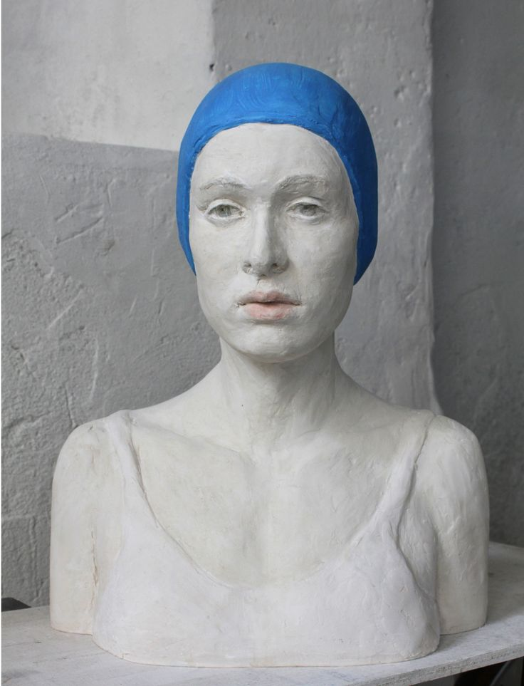 The swimmer, resin, by Jeanne Isabelle Cornière, 2015
