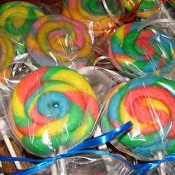 Fun Cookie Suckers - I could see these going over big at a bake sale, I would add sprinkles.