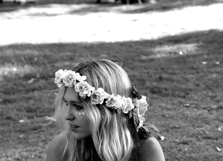 .. ..Coachella Inspiration, Pink Flower, Style, Flower Headbands, Flower Crowns, Beautiful, Flower Garlands, Flower Children, Hair
