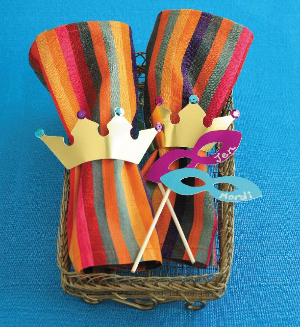 crown and mask place cards and napkin rings