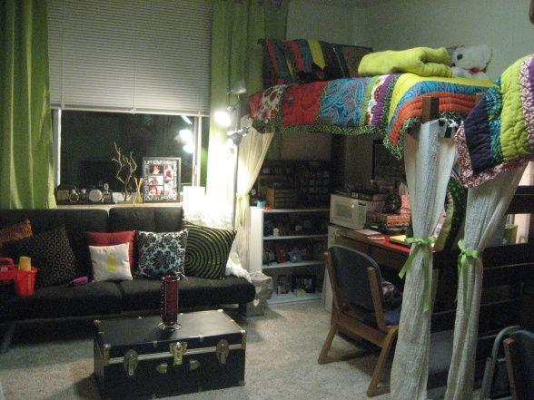 lofted beds; sweet dorm!: Colleges Life, Dorm Life, Decor Ideas, Dorm Rooms Layout, Desks Layout, Rooms Ideas, Dorm Ideas, Colleges Dorm, Loft Beds