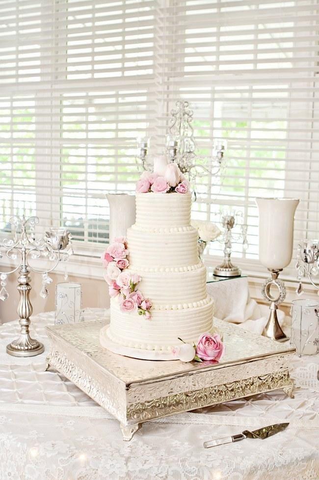 25 Amazing All-White Wedding Cakes - Weddbook